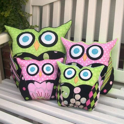 Owl Pillows – Free Pattern Fridays @ Craftsy.com – Crazy for D.I.Y.