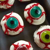 DIY Eyeball Cupcakes