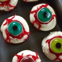 DIY Eyeball Cupcakes
