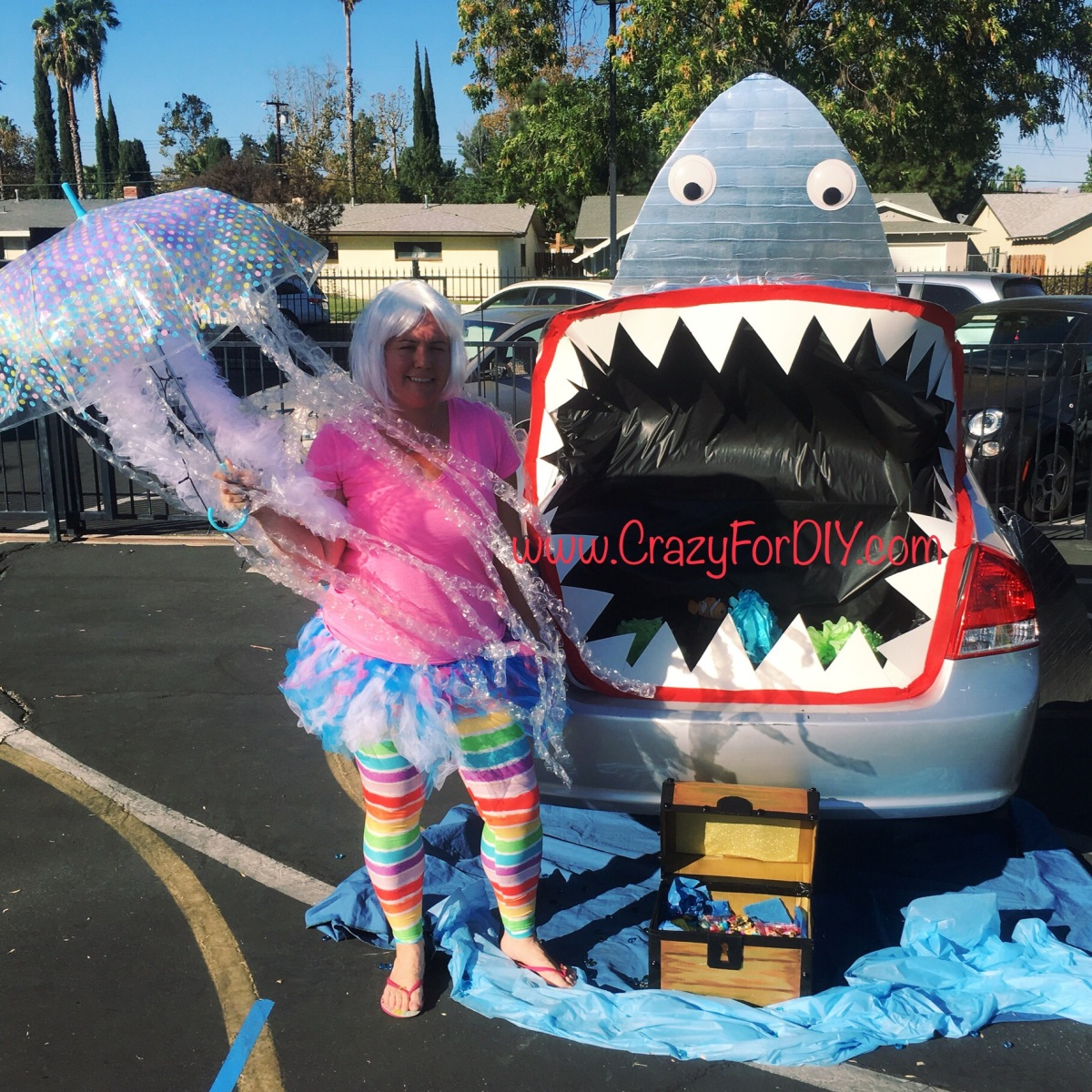 Trunk or treat shark jellyfish diy tutorial crazy for d i y for Painting games com
